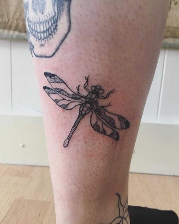 Znaczenie tatuaży Zwierzęta  Tatuaż ważka – znaczenie, historia, 30 zdjęć