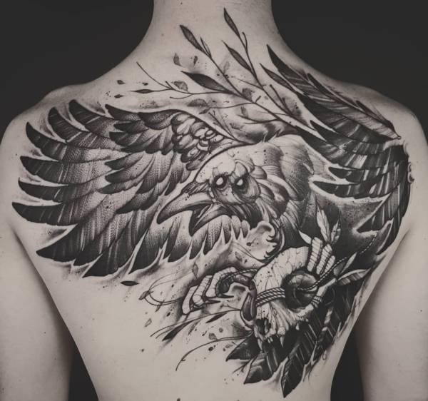 Tatuaż Kruk Znaczenie Historia 30 Zdjęć
