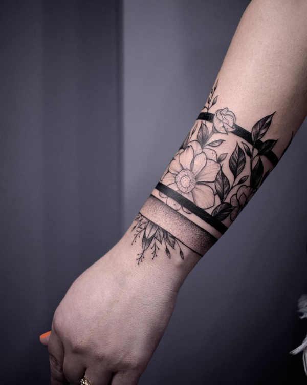 Pomysły na tatuaże  Tatuaż armband – znaczenie, symbolika, 100 zdjęć