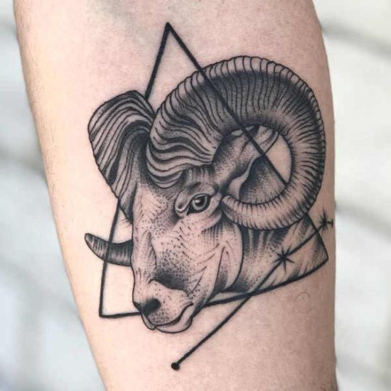 Tatuaże Ze Znakami Zodiaku Baran Znaczenie Historia 40