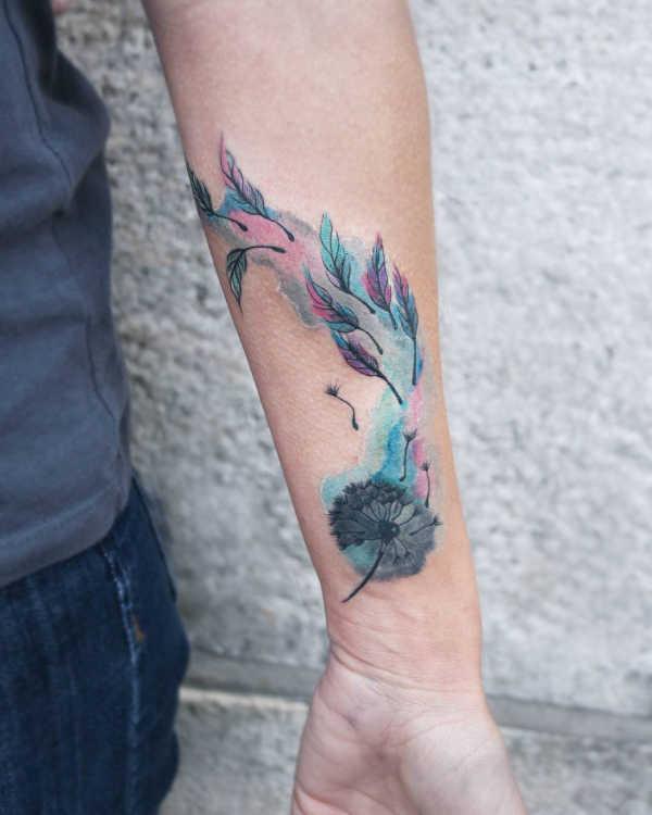 Tatuaże kwiaty Znaczenie tatuaży  Tatuaż dmuchawiec – znaczenie, historia, 50 zdjęć