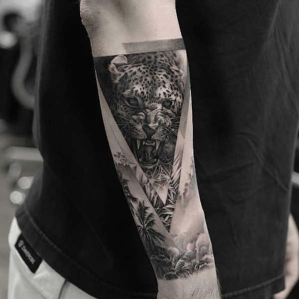 Znaczenie tatuaży Zwierzęta  Tatuaż gepard – znaczenie, historia, 18 zdjęć