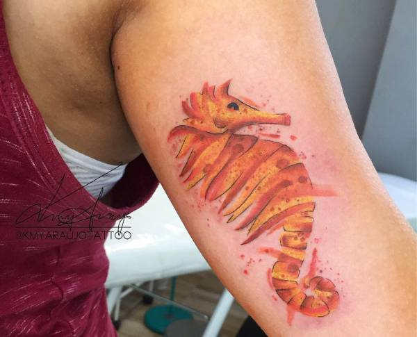 Znaczenie tatuaży Zwierzęta  Tatuaż konik morski – znaczenie, historia, 25 zdjęć