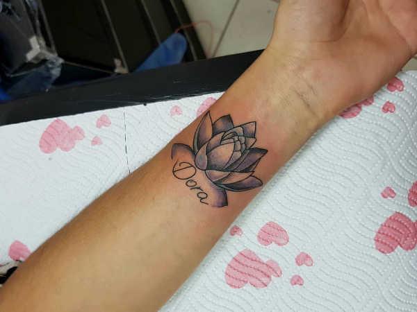 Tatuaż Kwiat Lotosu Znaczenie Historia 50 Zdjęć