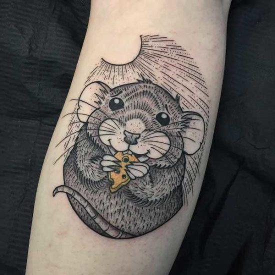 Tatuaż myszka – znaczenie, historia, 25 zdjęć Znaczenie tatuaży Zwierzęta