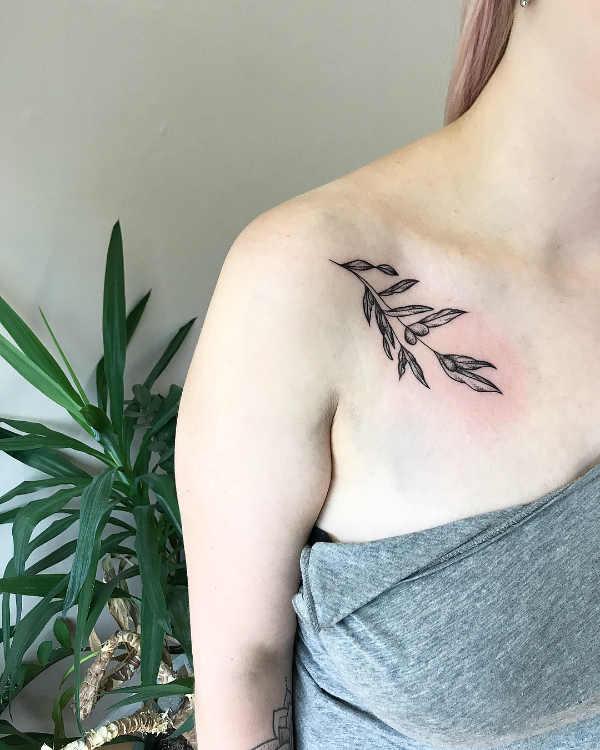 Części ciała Pomysły na tatuaże  Tatuaż na obojczyku – 150 pięknych i inspirujących wzorów