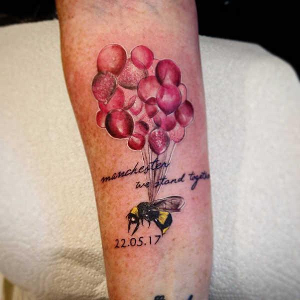 Znaczenie tatuaży Zwierzęta  Tatuaż pszczoła – znaczenie, symbolika, 32 zdjęć
