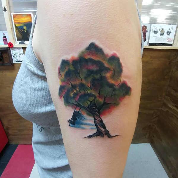 Znaczenie tatuaży  Tatuaż drzewo – znaczenie, historia, 50 zdjęć