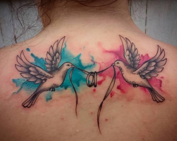 Znaczenie tatuaży Zwierzęta  Tatuaż z gołębiem/gołębicą – znaczenie, historia, 30 zdjęć