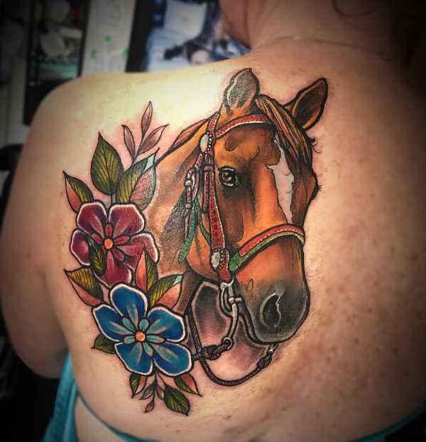 Znaczenie tatuaży Zwierzęta  Tatuaż koń – znaczenie, symbolika, 40 zdjęć