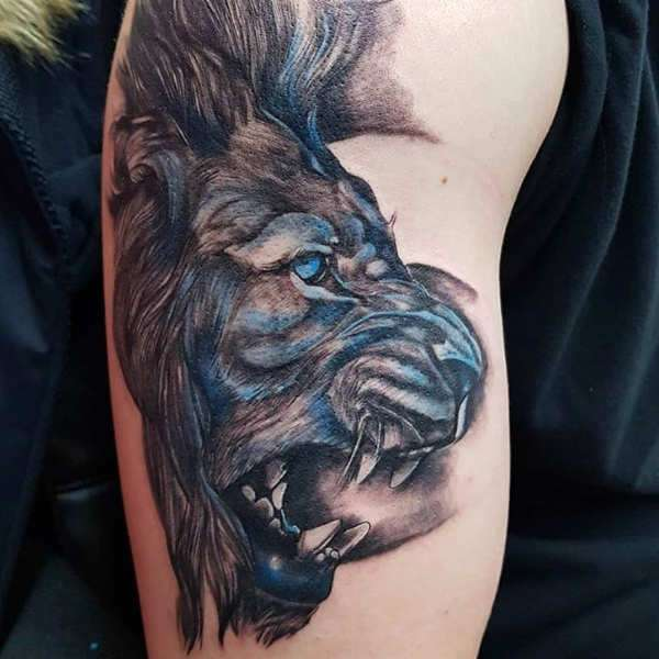 Znaczenie tatuaży Zwierzęta  Tatuaż lew – znaczenie, historia, 50 zdjęć