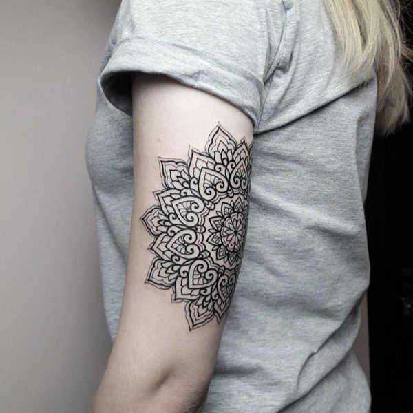 Pomysły na tatuaże  Tatuaż z mandalą – znaczenie, symbolika, 100 zdjęć