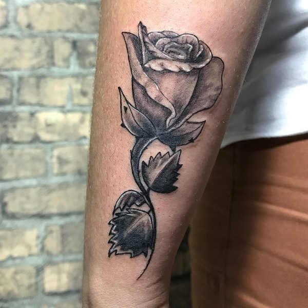 Tatuaż Róża Znaczenie Historia 40 Zdjęć