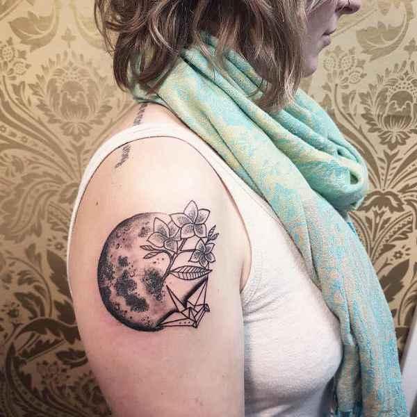 Tatuaż Księżyc Znaczenie Historia 100 Zdjęć