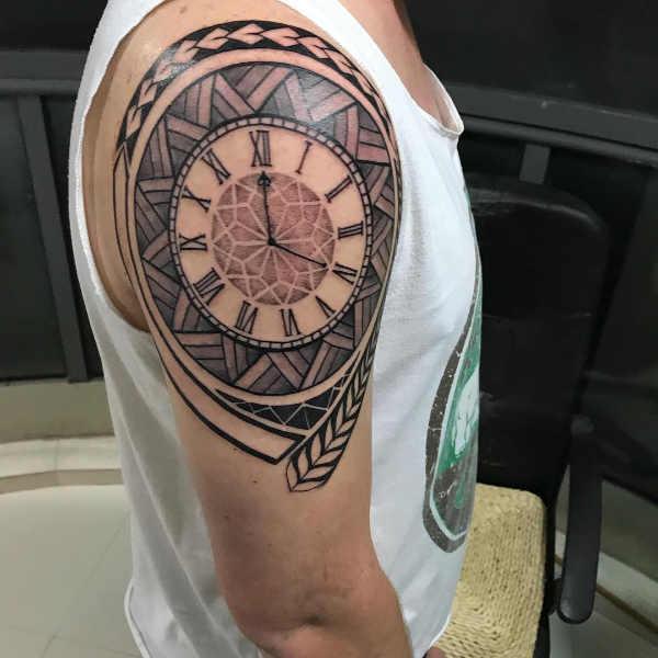 Tatuaz Z Zegarem Historia I Symbolika