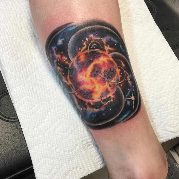 Znaczenie tatuaży  Tatuaż słońce – znaczenie, historia, 100 zdjęć