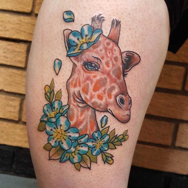 Znaczenie tatuaży Zwierzęta  Tatuaż żyrafa – znaczenie, historia, 40 zdjęć