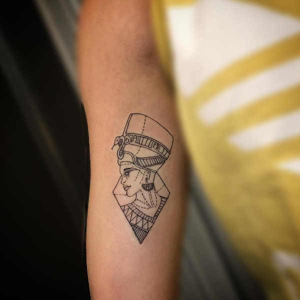 Tatuaż etniczny Znaczenie tatuaży  Tatuaże egipskie – znaczenie, historia, 80 zdjęć