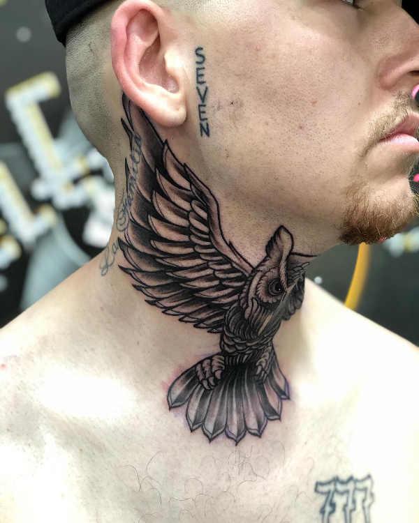 Tatuaże Na Szyi Znaczenie Symbolika 100 Zdjęć