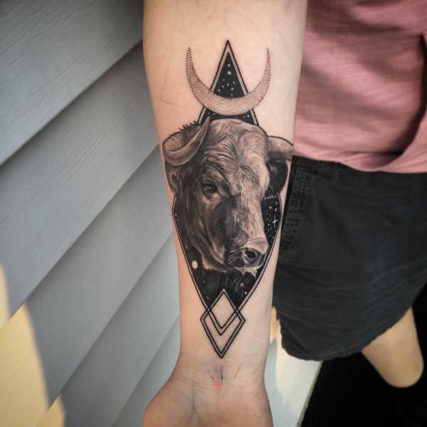 Znaczenie tatuaży Znaki zodiaku  Tatuaże ze znakami zodiaku: byk – znaczenie, historia, 64 zdjęć