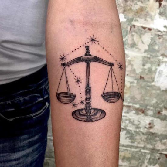 Tatuaże ze znakami zodiaku: waga – znaczenie, historia, 50 zdjęć Pomysły na tatuaże Znaki zodiaku